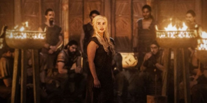 Daenerys-Book-of-the-Stranger-Game-of-Thrones-Season-6